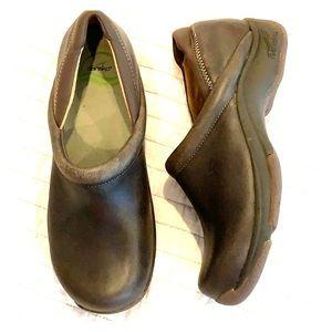 DANSKO brown leather clog slip resistant rubber 38